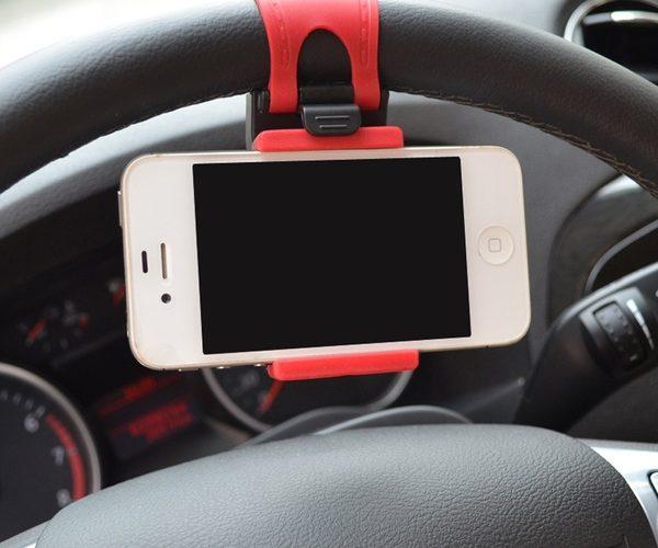 autos kormanykerekre helyezheto telefontarto 2 600x500 - Kormánykerékre helyezhető telefontartó
